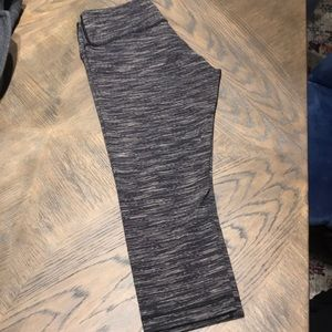 Lululemon striped wunder under cropped leggings